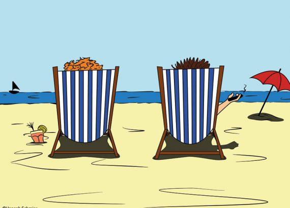 Das gezeichnete Bild zeigt zwei Figuren am Strand, in Liegestühlen liegenden auf das Meer blickend.