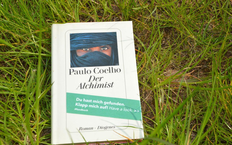 Das Fundbuch »Der Alchimist« wurde ausgesetzt und gehört zu unserer Bücheraktion 15 Jahre phase grün